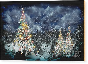 The Christmas Tree Wood Print by Boon Mee
