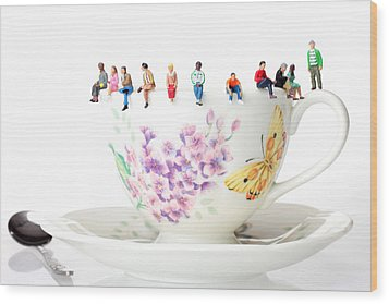 The Coffee Time Little People On Food Wood Print by Paul Ge