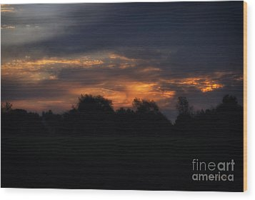 The Crack Of Dawn Wood Print by Thomas Woolworth