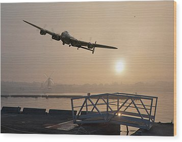 The Dambusters - Last One Home Wood Print by Gary Eason
