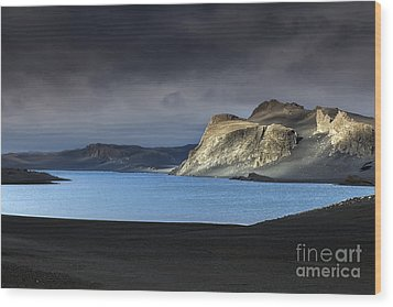Wood Print featuring the photograph The Desert by Gunnar Orn Arnason