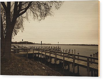 The Docks On Lake Minnetonka Wood Print by Susan Stone