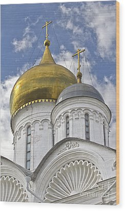 The Domes Of Archangel Cathedral Wood Print by Elena Nosyreva