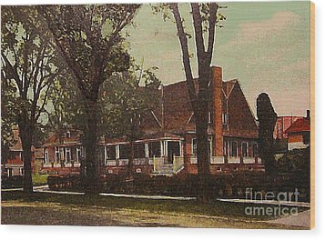 The Evanston Club In Evanston Il In 1910 Wood Print by Dwight Goss
