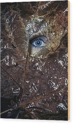 The Eye Wood Print by Joana Kruse
