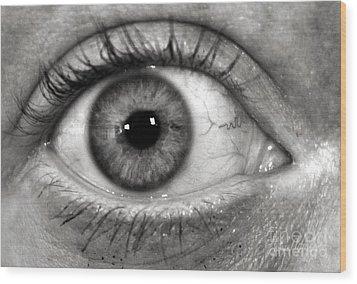 The Eye Wood Print by Luke Moore