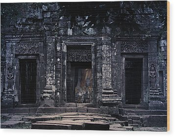 The Facade Of Sanctuary Wood Print by Nawarat Namphon