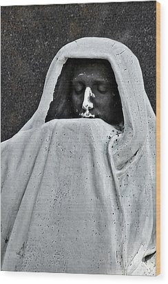 The Face Of Death - Graceland Cemetery Chicago Wood Print by Christine Till