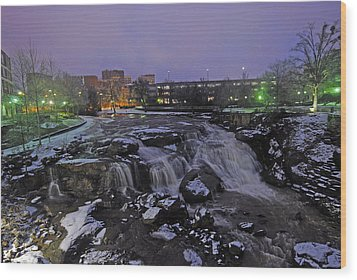 The Falls In Downtown Greenville Sc After A Light Snow Fall Wood Print by Willie Harper
