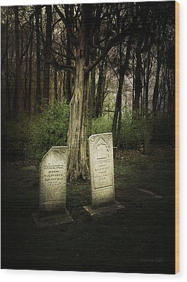 The Final Resting Place Of Ambros And Brazilla Ivins Wood Print by Cynthia Lassiter