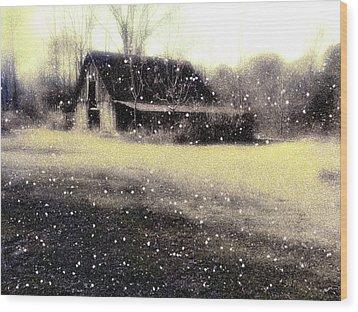 The First Snow Fall On The Old Barn Wood Print by Lisa  Griffin