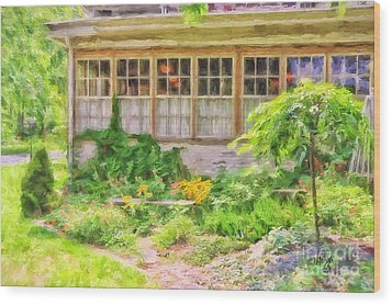 The Garden At Juniata Crossings Wood Print by Lois Bryan