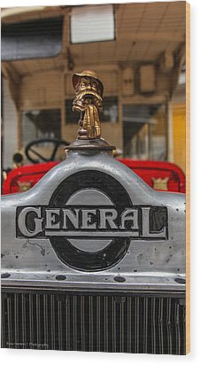 Wood Print featuring the photograph The General by Ross Henton