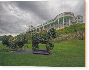 The Grand Hotel Mackinac Island Wood Print by Jerry Gammon