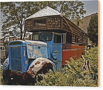 The House That Peterbilt Wood Print