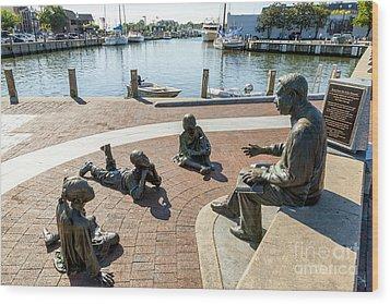 The Kunta Kinte-alex Haley Memorial In Annapolis Wood Print by William Kuta