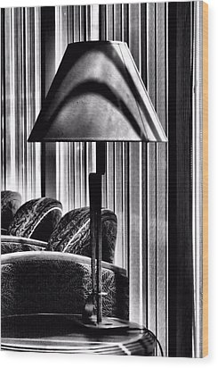 The Lamp In The Lobby Wood Print by Bob Wall