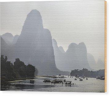 The Li River China Wood Print by Lynn Bolt