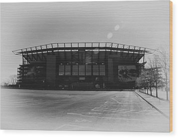The Linc In Black And White Wood Print by Bill Cannon