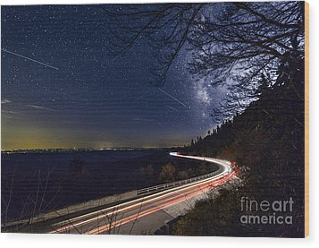 The Linn Cove Viaduct Milky Way Wood Print by Robert Loe