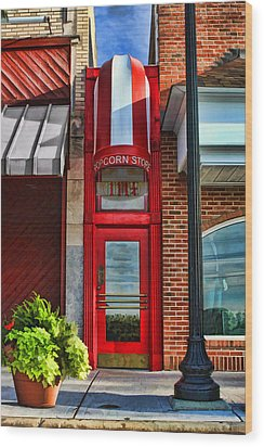 The Little Popcorn Shop In Wheaton Wood Print by Christopher Arndt