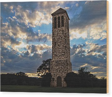 The Luray Singing Tower Wood Print by Lara Ellis