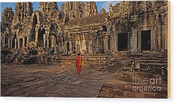 The Magical Light Of Bayon  Wood Print by Pete Reynolds
