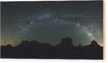 The Milky Way Wood Print by Tom Kelly