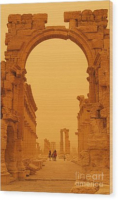 The Monumental Arch At Palmyra Syria In The Light After A Sandstorm Wood Print by Robert Preston