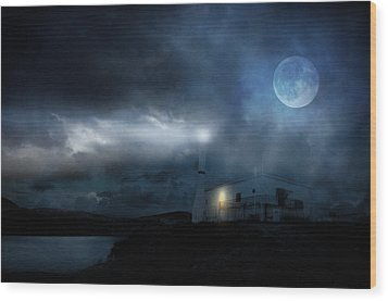 The Moon Touches Your Shoulder Wood Print by Taylan Apukovska