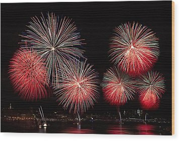 The New York City Skyline All Lit Up Wood Print by Susan Candelario