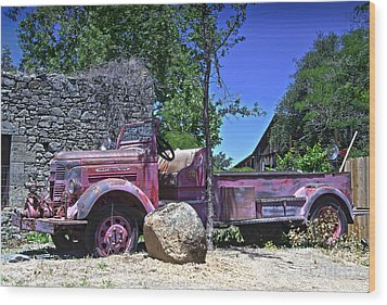 The Old Firetruck Wood Print