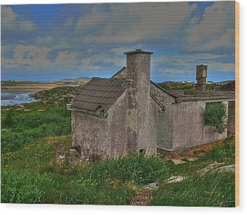 Wood Print featuring the photograph The Old Hilltop by Kandy Hurley