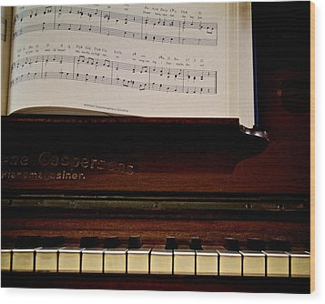 The Old Piano Wood Print by Odd Jeppesen