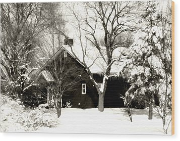 The Old Red House Wood Print by Heather Allen
