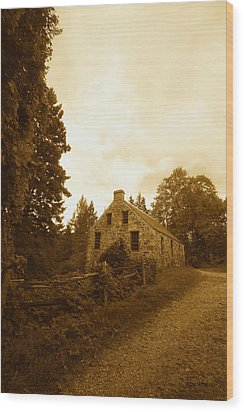 The Olde Stone Cottage Wood Print by Ron Haist