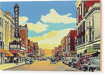 The Paramount Theatre In Newport News Va In 1940 Wood Print