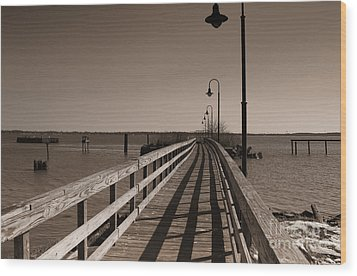 The Pier Wood Print by David Jackson