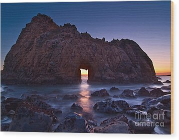 The Portal - Sunset On Arch Rock In Pfeiffer Beach Big Sur In California. Wood Print by Jamie Pham