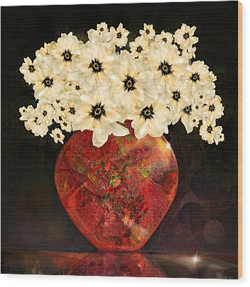 The Red Vase Wood Print