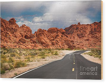 The Road To The Valley Of Fire Wood Print by Jane Rix