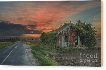 The Rustic Barn Wood Print by Pete Reynolds