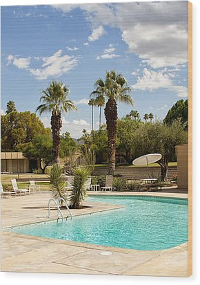 The Sandpiper Pool Palm Desert Wood Print by William Dey
