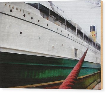 The S.s. Keewatin Wood Print by Michelle Calkins