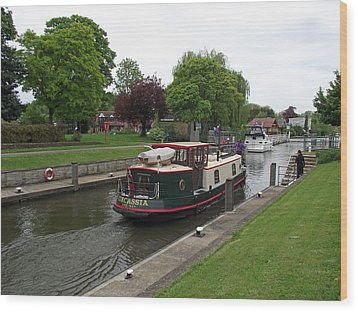 Wood Print featuring the photograph The Thames At Penton Hook Lock by Jayne Wilson
