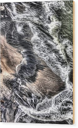 The Tide From Above Wood Print by Bob Hislop