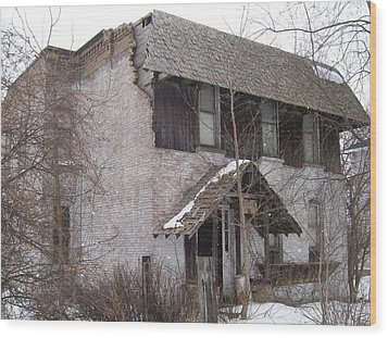 This Old House Wood Print by Jonathon Hansen