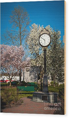 Time In Barnegat Wood Print by Bob and Nancy Kendrick