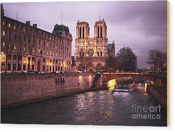 To Notre Dame Wood Print by John Rizzuto