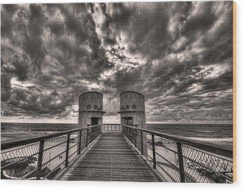 To The Bridge Wood Print by Ron Shoshani